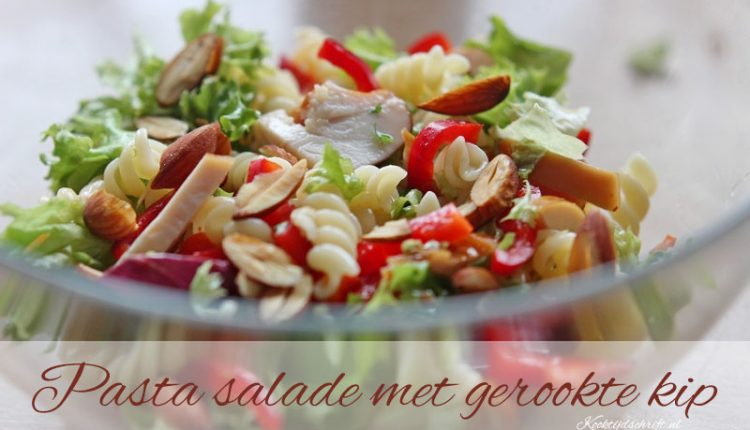 pasta salade met gerookte kip