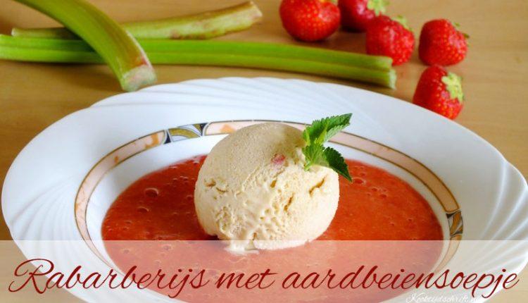 rabarberijs met aardbeiensoep