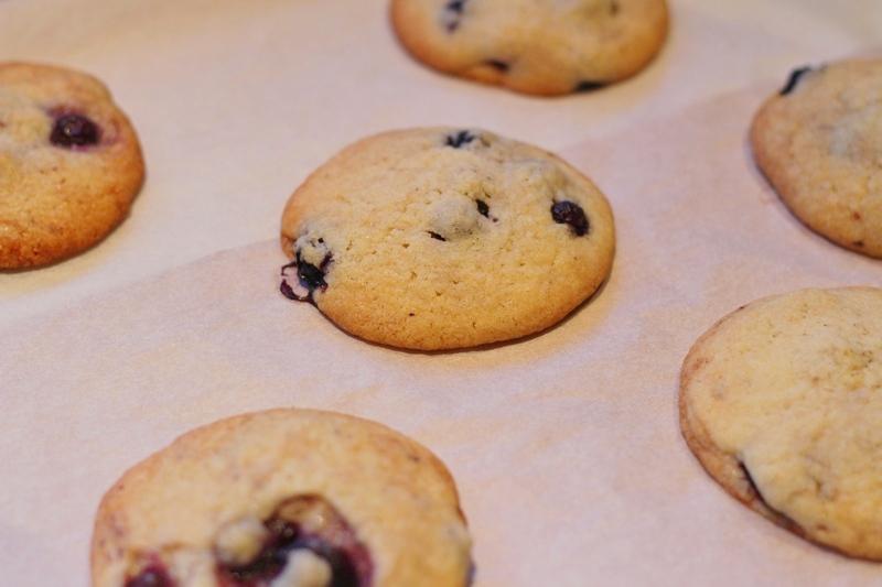 Blauwe bessen koekjes maken