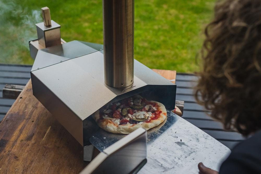 buiten pizza oven
